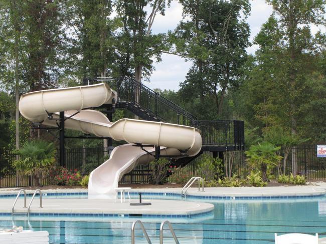 12 Oaks Swimming Pool