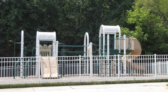 Whitebridge has a neighborhood playground for the younger residents.