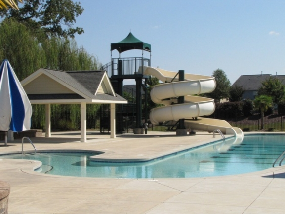 Twin Lakes Neighborhood Pool