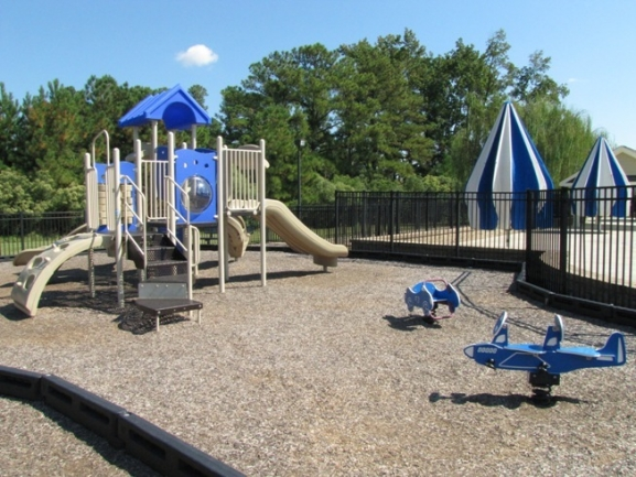 Twin Lakes Neighborhood Playground